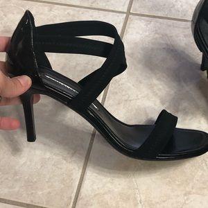 Donald Pliner black heels